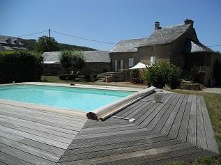 Gite aveyron ostal occitan g te de charme en aveyron for Gite piscine aveyron